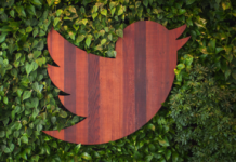 Twitter is looking into the possibility of introducing a paid subscription service of its TweetDeck platform aimed at business professionals.