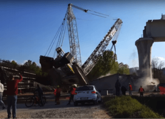WATCH: Video shows construction crane collapsing